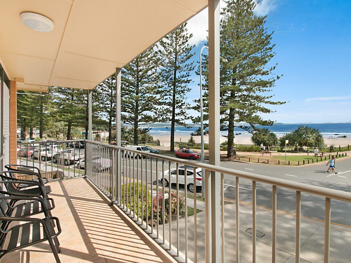 Pacific View Unit 3 – Right on the beach in Rainbow Bay Coolangatta
