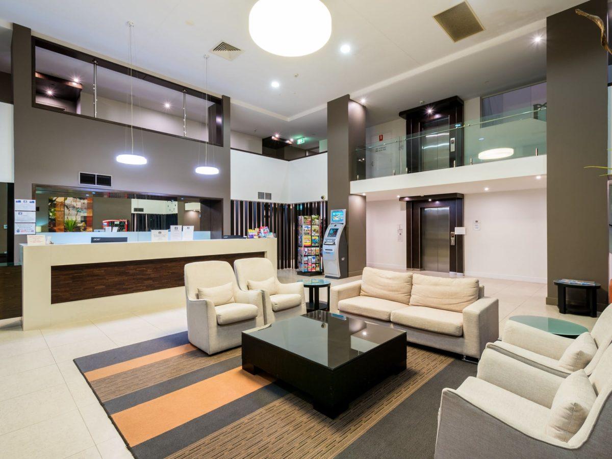 Chancellor Lakeside Apartments