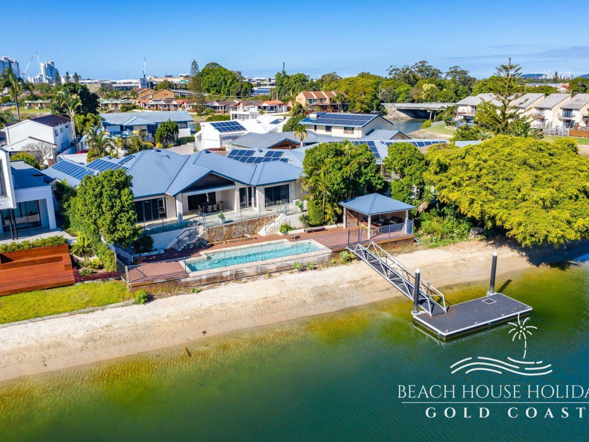 Maureen Waterfront Beach House